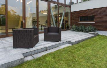 Leżaki ogrodowe z technorattanu