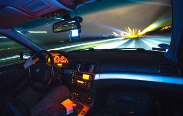 Samochód i laweta w Niemczech