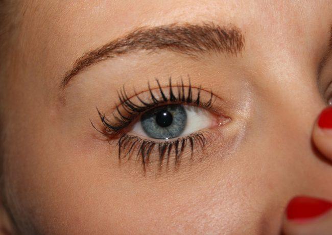 Jakich kosmetyków do twarzy powinna używać współczesna kobieta?