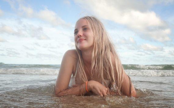 Jak podkreślić piękno dojrzałego wieku? – zabieg podniesienia piersi